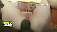 Czech cougar Alena rough anal fucking