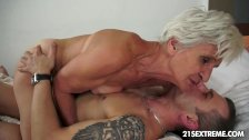 GILF Aliz have a blast with a big you...
