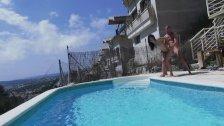 Carolina Abril follando en la piscina