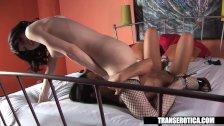 Pornstar Angelina Valentine plays with shemal