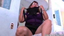 Latina granny Maribel can't control her urge