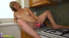 OldNanny Two hot lesbian licking and masturba