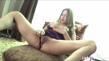 Fat Cock Pushing Into Wet Ladyboy Pussy