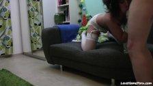 Bubble butt slut goes wild on webcam