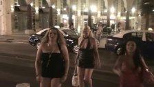 Nacktbummel durch die Strassen