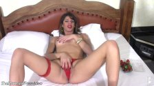 Big cocked shemale sticks strawberries in her