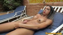 Ripped latina ts toying her culo