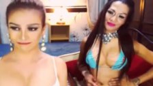 Two Shemale Loves to Masturbate on Cam