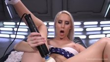 California Girl Squirts Everywhere!