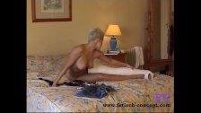 Fetisch-Concept com - Short hair blonde with cast leg and dildo -