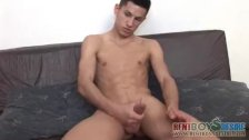 Toned lad shows his goodies to an oldie - duration 3:30