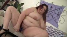 Sexy Fat Slut Gets Herself Off Bigtime