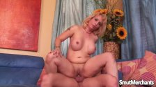 Blonde mom gets fucked