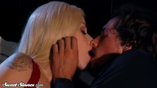 SweetSinner Elsa Jean Shares Passion with Lover