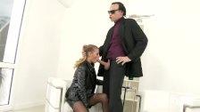 Slutty reporter blows her interviewer