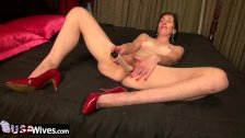 USAwives Solo Mature Penny Jones Toy Masturbation - duration 8:07