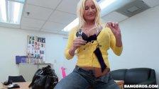 Kinky Milf Gets Banged Out Platnium Charm