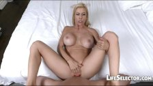 Hot MILF gets her mouth filled with cum Alexis Fawx