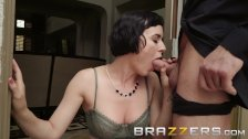 Cheating Wife Settles Debt with a Blowjob - Brazzers