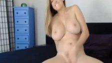 Hot Teen Babe Fucks her Wet Pussy