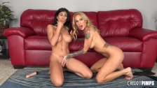 Heather Vahn and Sarah Jessie are Two Fit Lesbian Babes Who Play Live!