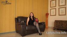 Sklave reinige d. High Heels von Mistress Domina Lady Julina Keuschhaltung