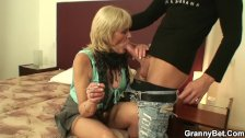 Old grandma in pantyhoses rides his big cock - duration
