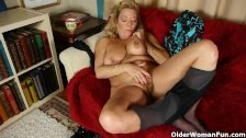 My favorite videos of American moms in pantyhose: Karen, Sable and Dalbin