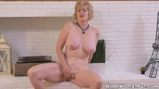 American gilf Sindee Dix needs to rub one out - duration 6:16
