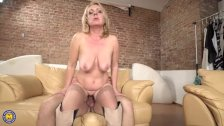 Horny housewife Lindsey doing her toyboy