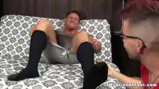 Ripped stud toe sucked as he jerks off