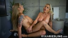 Ryan Riesling and Nina Elle scissoring until orgasming