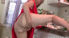 American milf Anna Moore will show you whats for dinner
