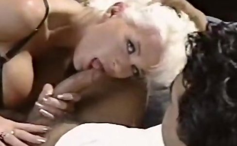 Babewatch - Blonde with big tits nice fuck|354,341 views