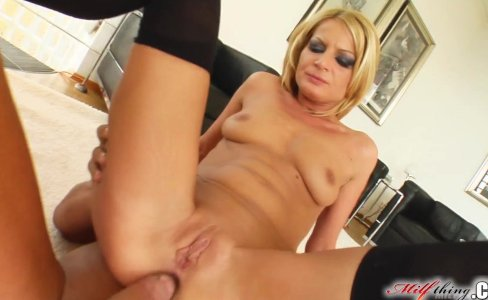 Milf Thing Divorcee MILF partaking in ass fuck|338,447 views