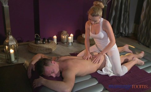 Massage Rooms Teen beauty gets a hard fucking|265,093 views