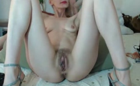 Hairy Mature Blonde With Big Pussy Lips|252,440 views