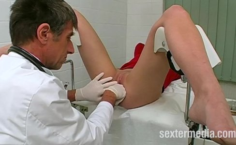 Doctor fucks patient in sex practice|44,753 views