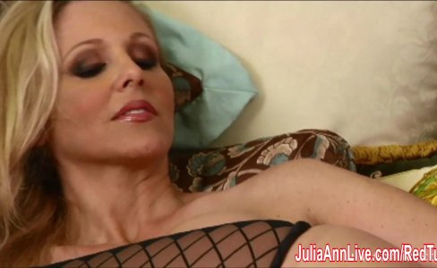 Sexy Milf Julia Ann Cums Hard in Stockings!|32,871 views