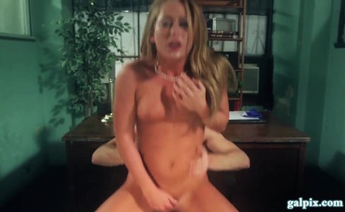 Pierced Nipples Blonde Takes Pounding On Desk|1,267,303 views