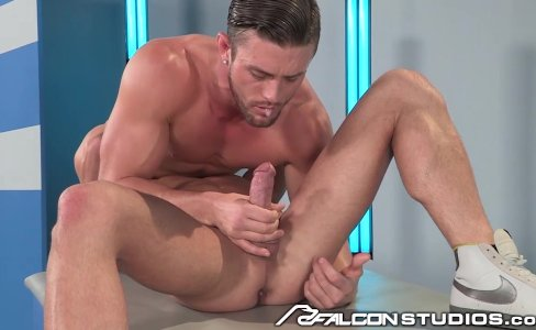 FalconStudios Ripped Hunks Plowing Balls Deep|13,206 views