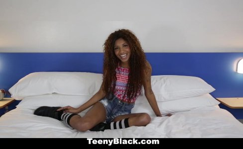 Petite Ebony Does Splits While Riding Dick|54,641 views
