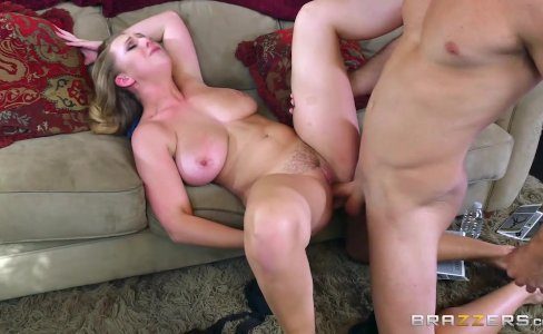 Brazzers - Brooke Wylde shows off her big tit|144,035 views