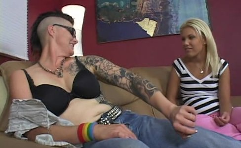 Teeny fucked by tattooed mom|34,558 views