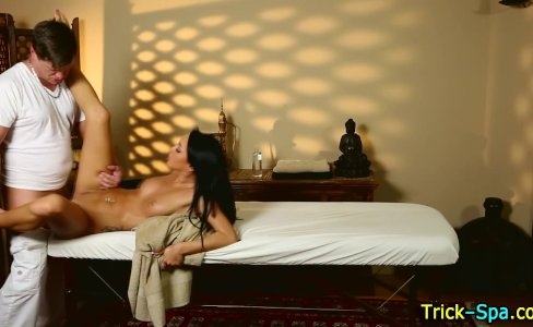 Honey spermed by masseur|905 views
