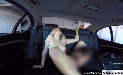 Teen uber taxi rider Naomi Woods fucks driver|239,988 views