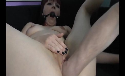 Naughty redhead being fisted|455 views