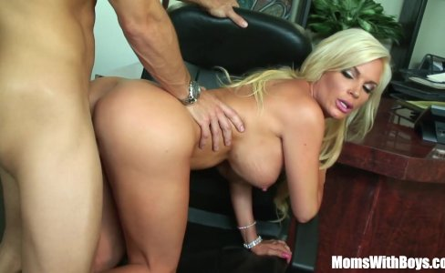 Bigtit Blonde Wife Diamond Foxxx Office Fuck|73,964 views