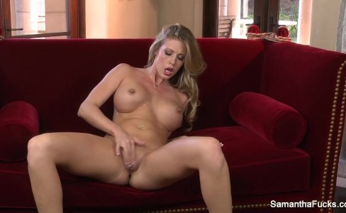 Super hot Samantha Saint fingers her pussy|34,431 views