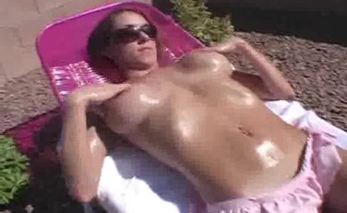 Tanning Out Busty ExGF Mandy|40,223 views